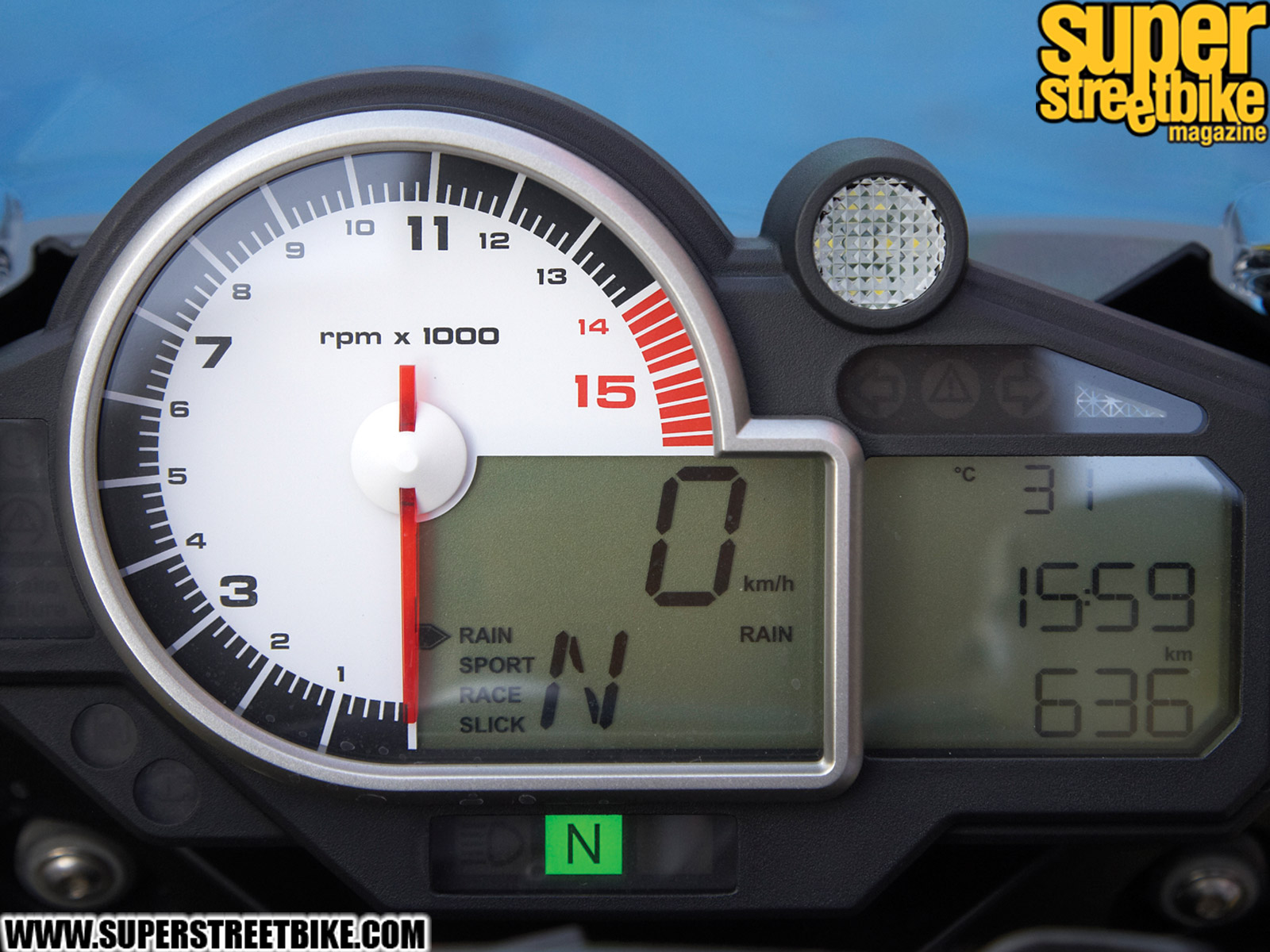 Page 207987d1328661021 What Realistic Bike Has Coolest Instrument Cluster 1003 Sbkp 03 Z Bmw S1000rr Dash 403730