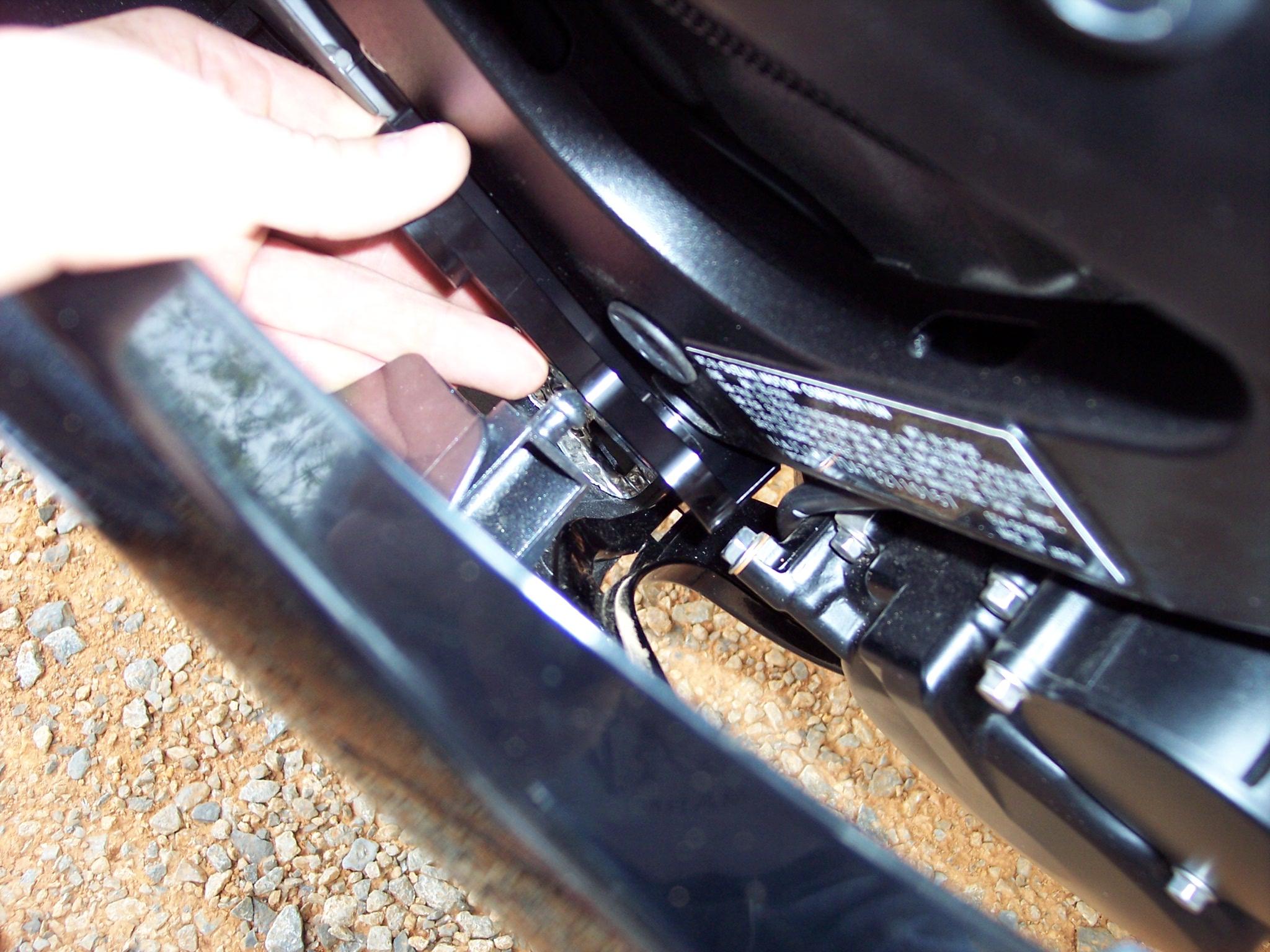 Best Brake Pads >> SBN Tests Motovation No Cut Frame Sliders For The 2006 ...