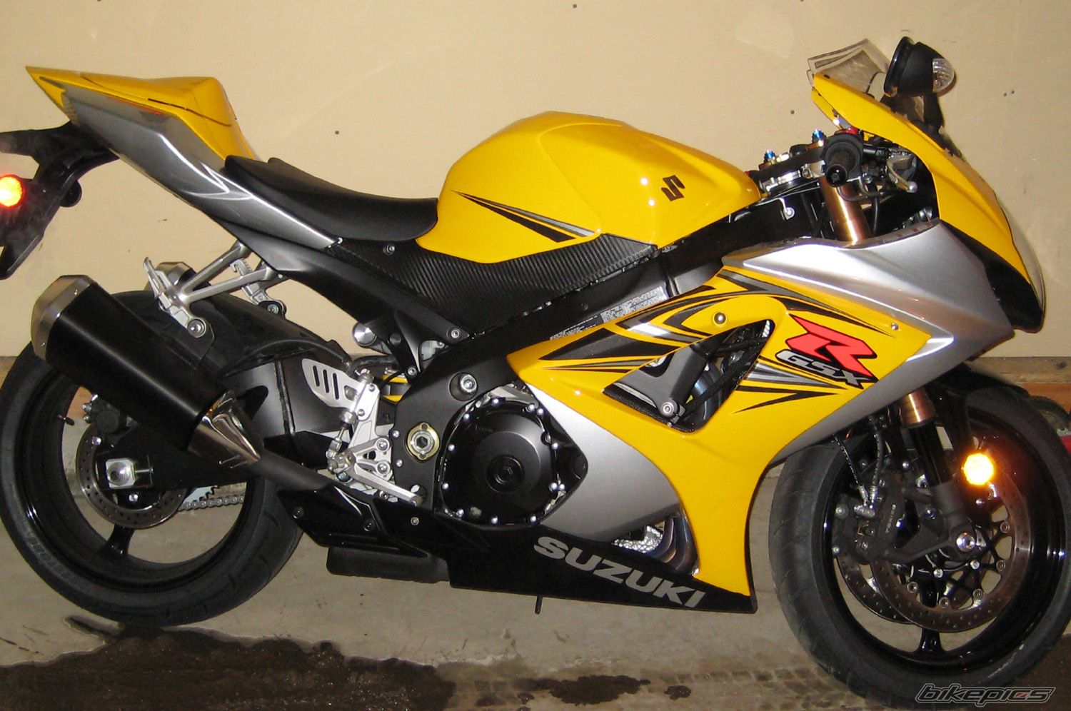 New Plastics/Tank for sale GSXR 1000 07/08 Checking Interest ...