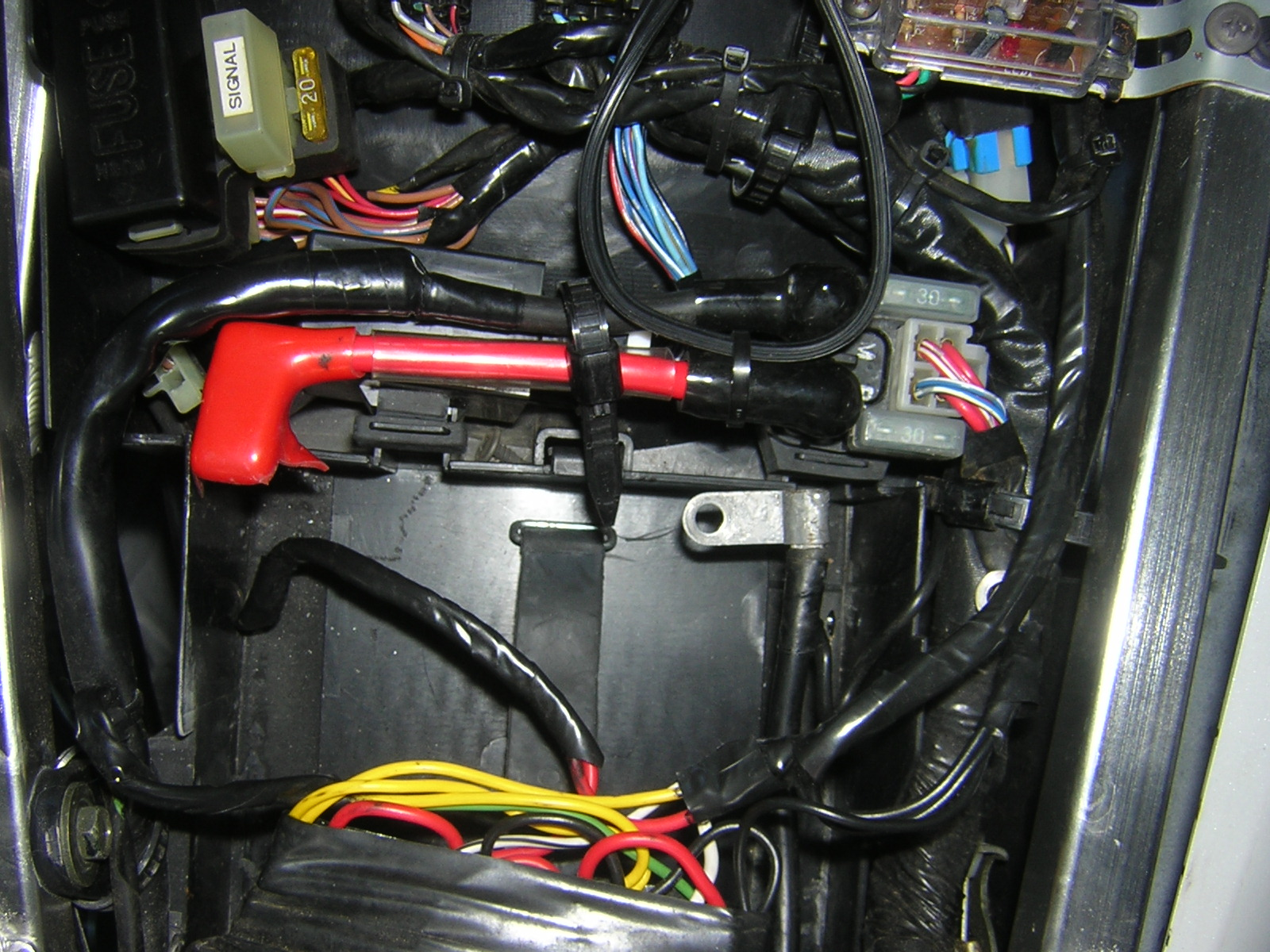 2007 Yamaha R6 Fuse Box Location : R fuse box location wiring diagram images