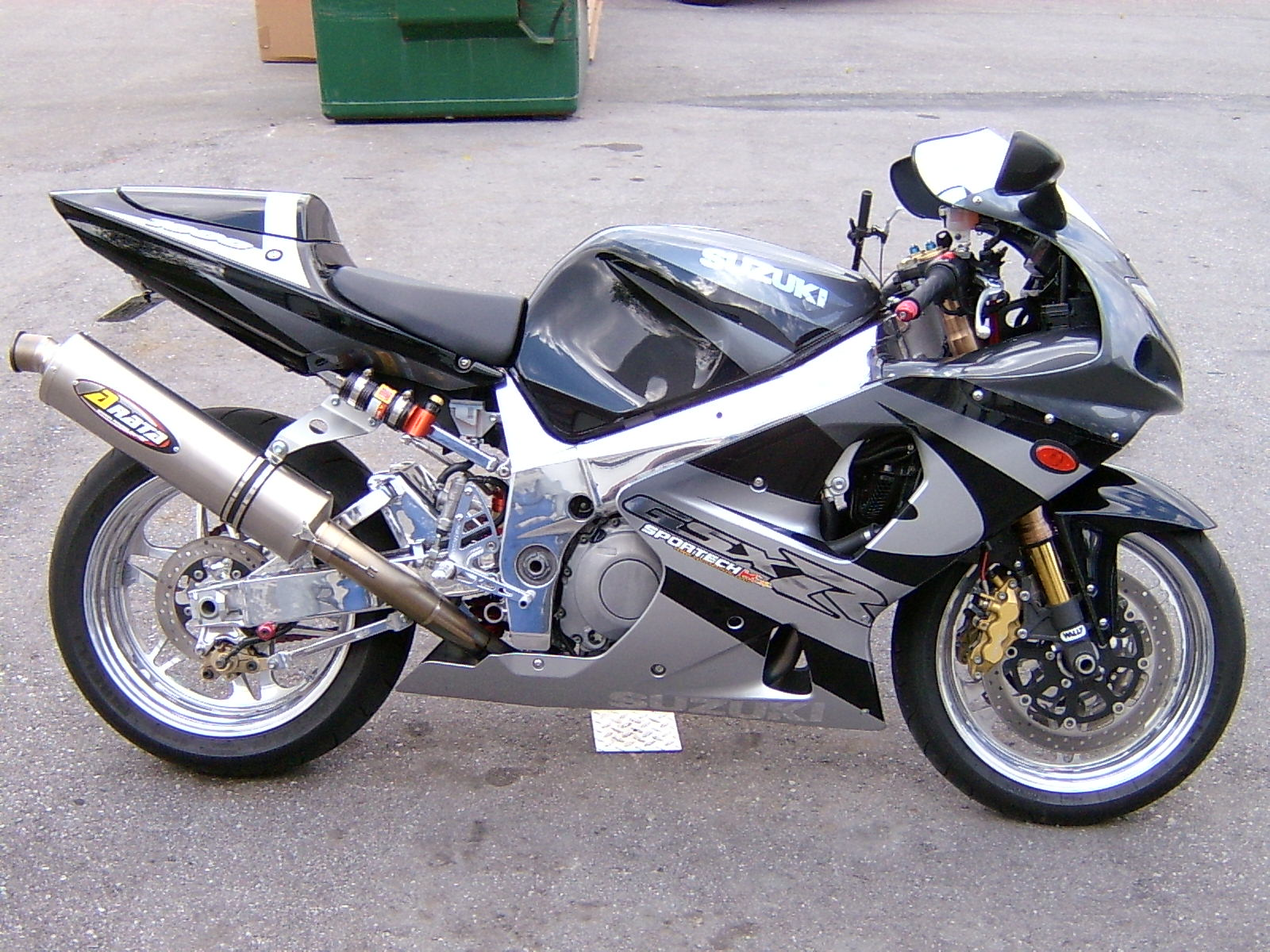2001 gsxr1000. Black Bedroom Furniture Sets. Home Design Ideas