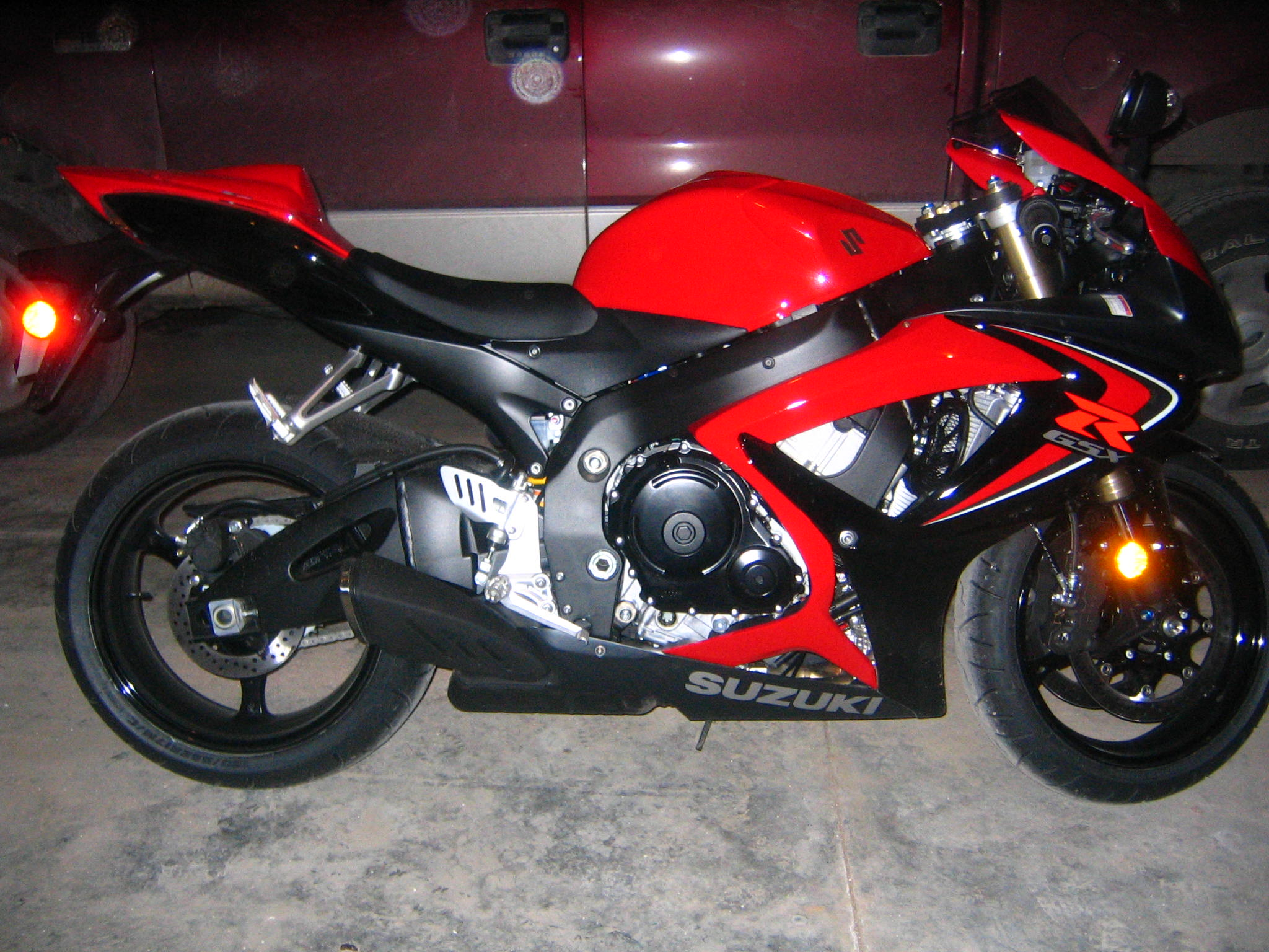 1000  ideas about Gsxr 600 on Pinterest | Yamaha Yzf, Cbr 600 and BMW