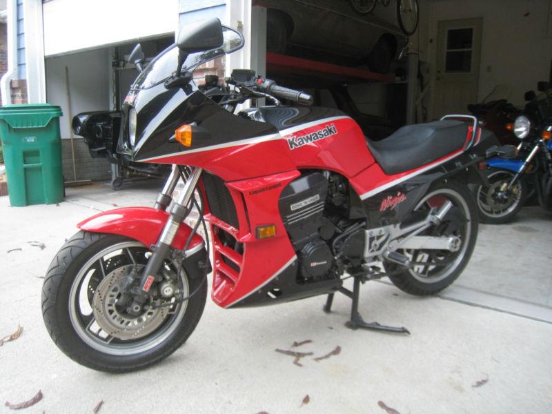 1985 Kawasaki GPZ900r Carb backfire - Sportbikes net
