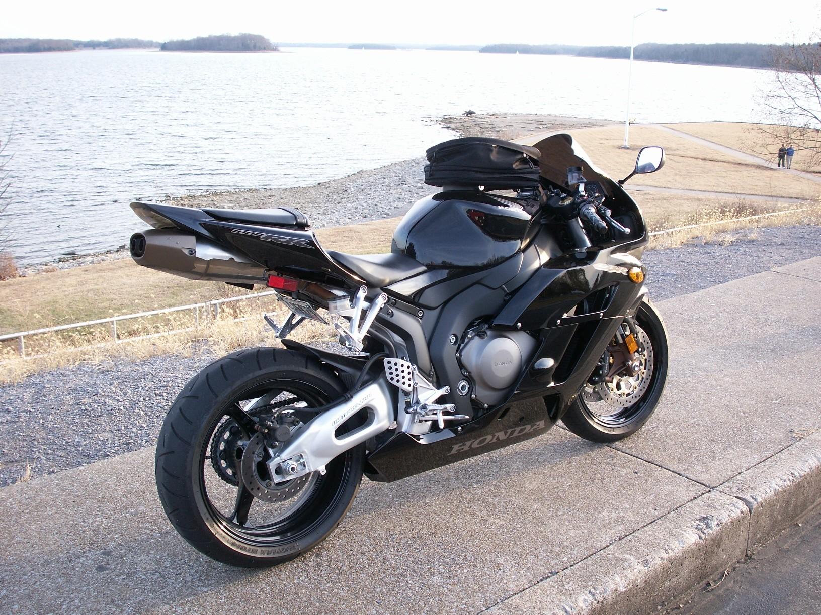 for sale..2004 honda 1000rr $8000.00 nashville tn - sportbikes