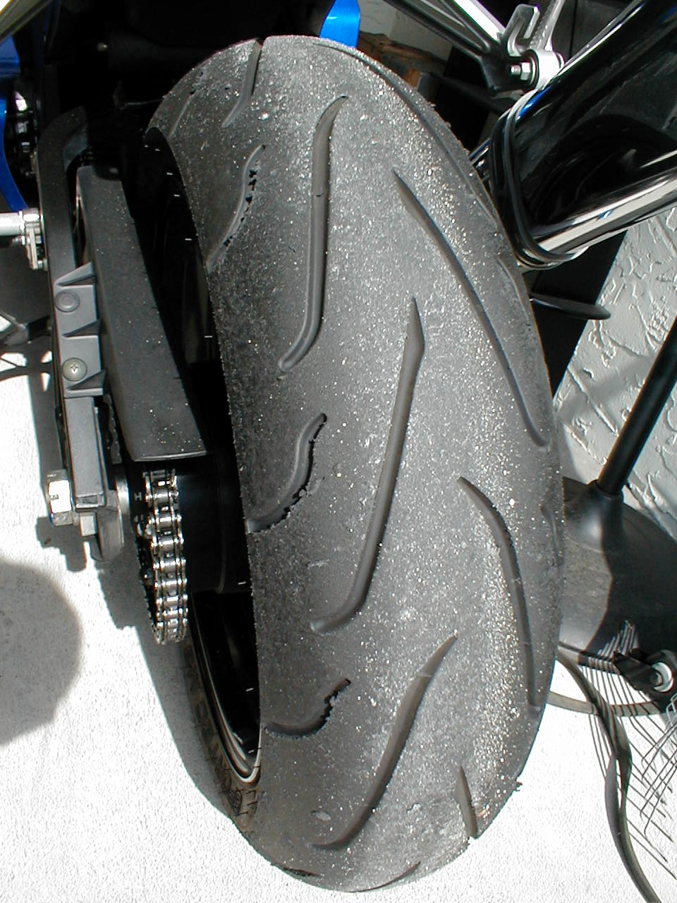 """tire size + """"chicken strips"""" - page 2 - sportbikes"""