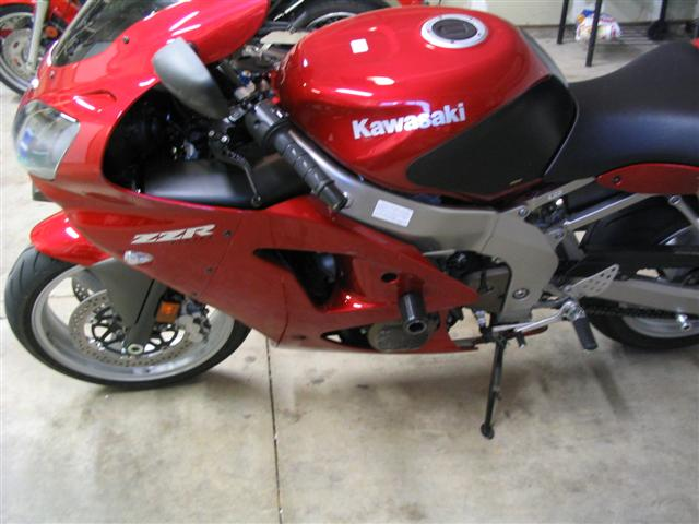 zzr600-frame-sliders-picture-004-small-.jpg.jpg