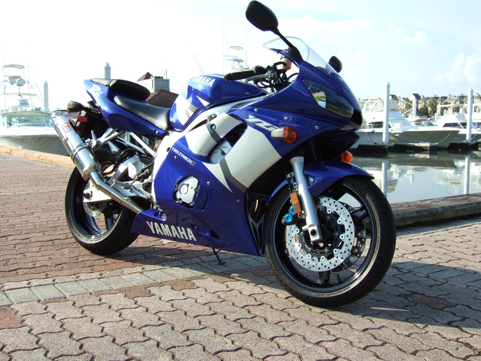 2002 Yamaha R6 - Flawless - 2400 Miles