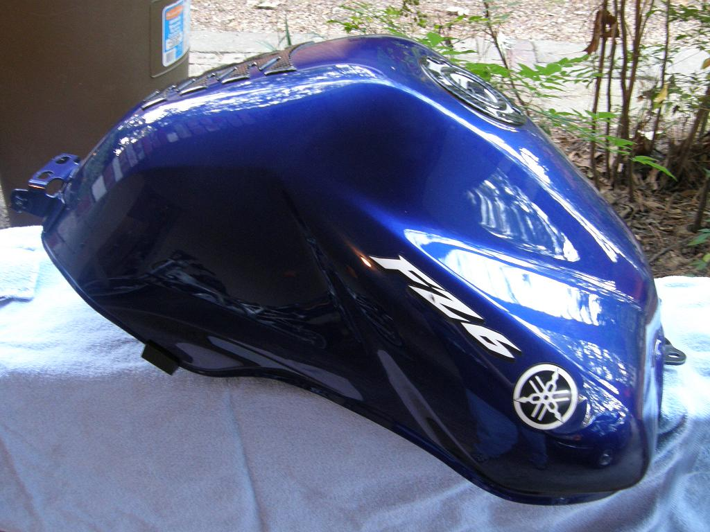 miscellaneous-parts-2004-fz6-faster-blue-right-tank-.jpg