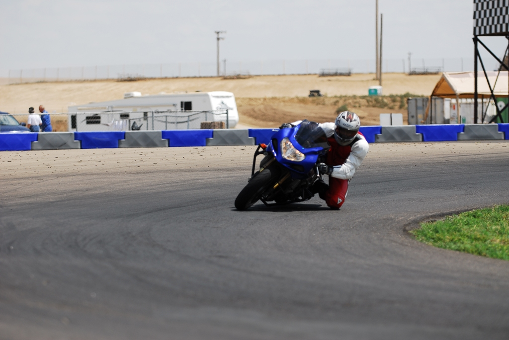 track pics with the stunt cage on - Sportbikes net