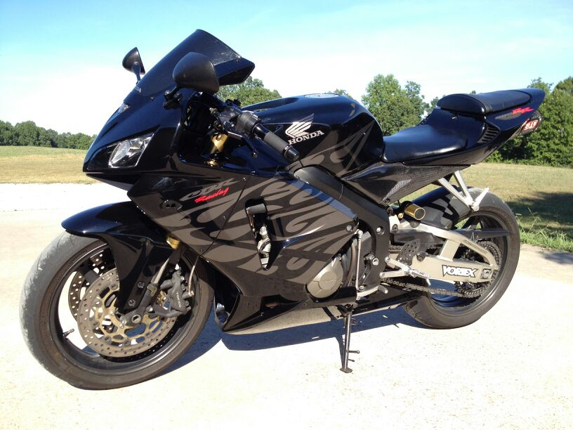 05-cbr-600rr-black-tribal-uploadfromtaptalk1352840907270.jpg
