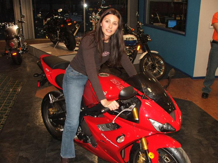 Chicks on sports bikes hot or not page 3 - Pictures of chicks on bikes ...