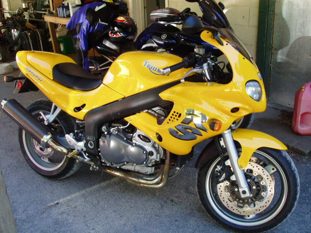 my new (used) triumph sprint rs - sportbikes